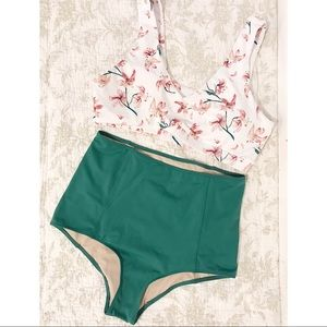Kortni jeane swim top bottom floral white green